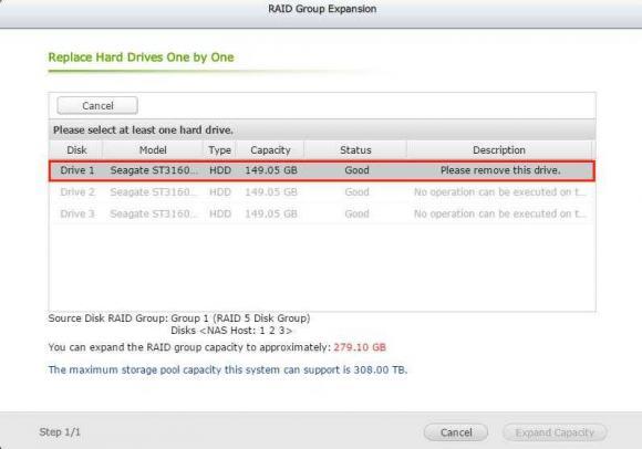 Nach der Synchronisierung kann die Festplatte aus dem NAS entnommen werden.