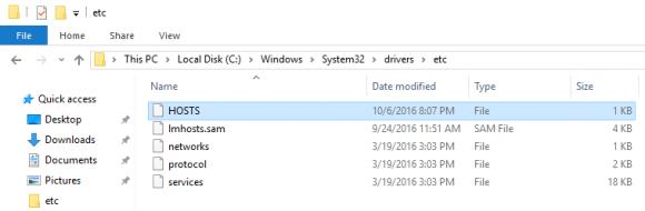 Die Hosts-Datei befindet sich auch unter Windows 10 in %windir%\system32\drivers\etc