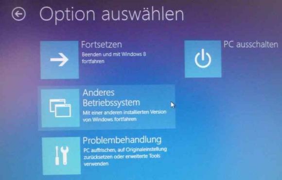 Der Boot-Manager von Windows 8 bietet die Option, zu seinem textorientierten Vorgänger zurückzukehren.